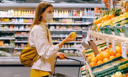 Woolworths is strongly encouraging everyone to wear a mask when shopping in nsw
