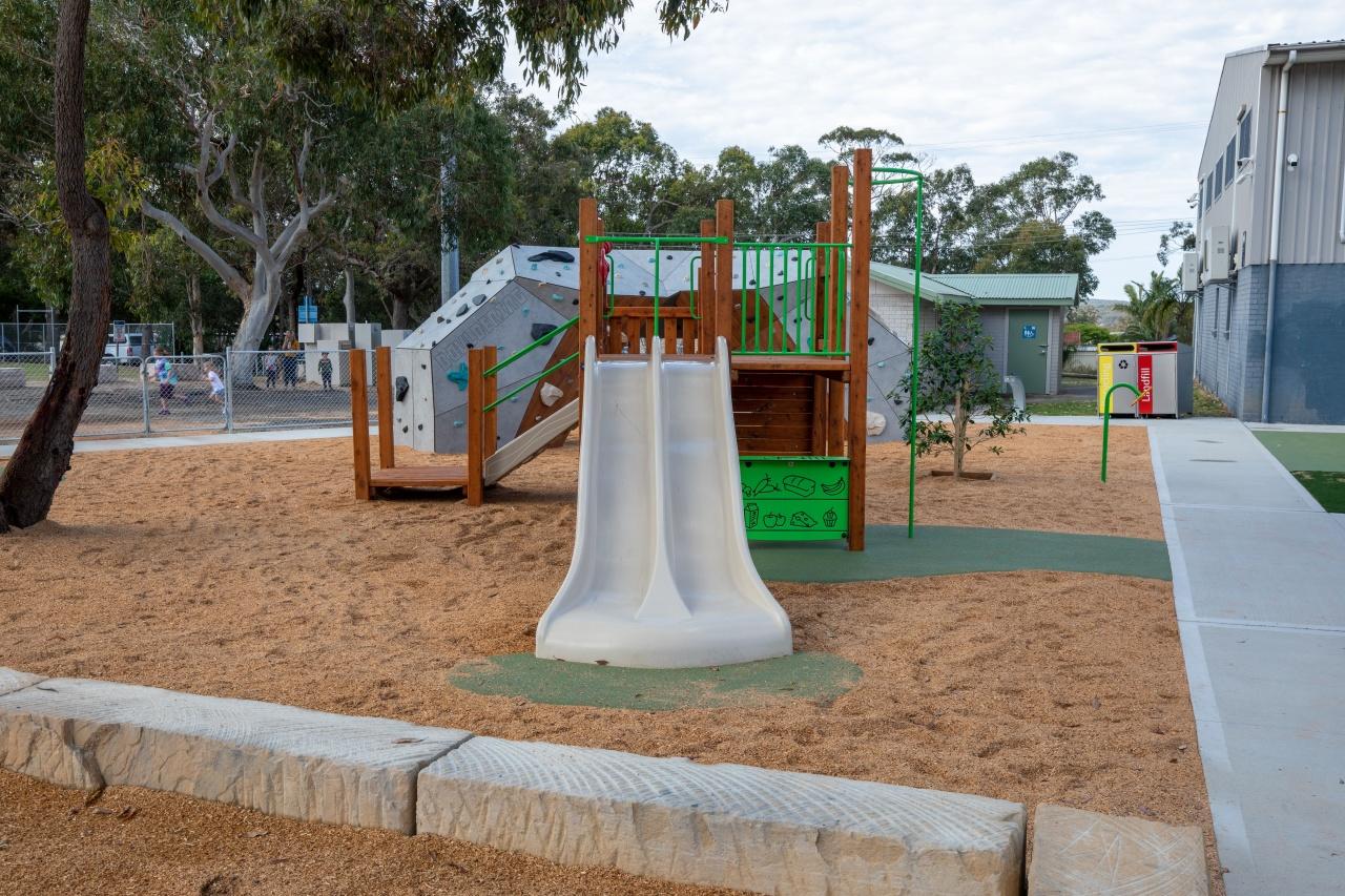 Tunkuwallin Oval Gwandalan Playground
